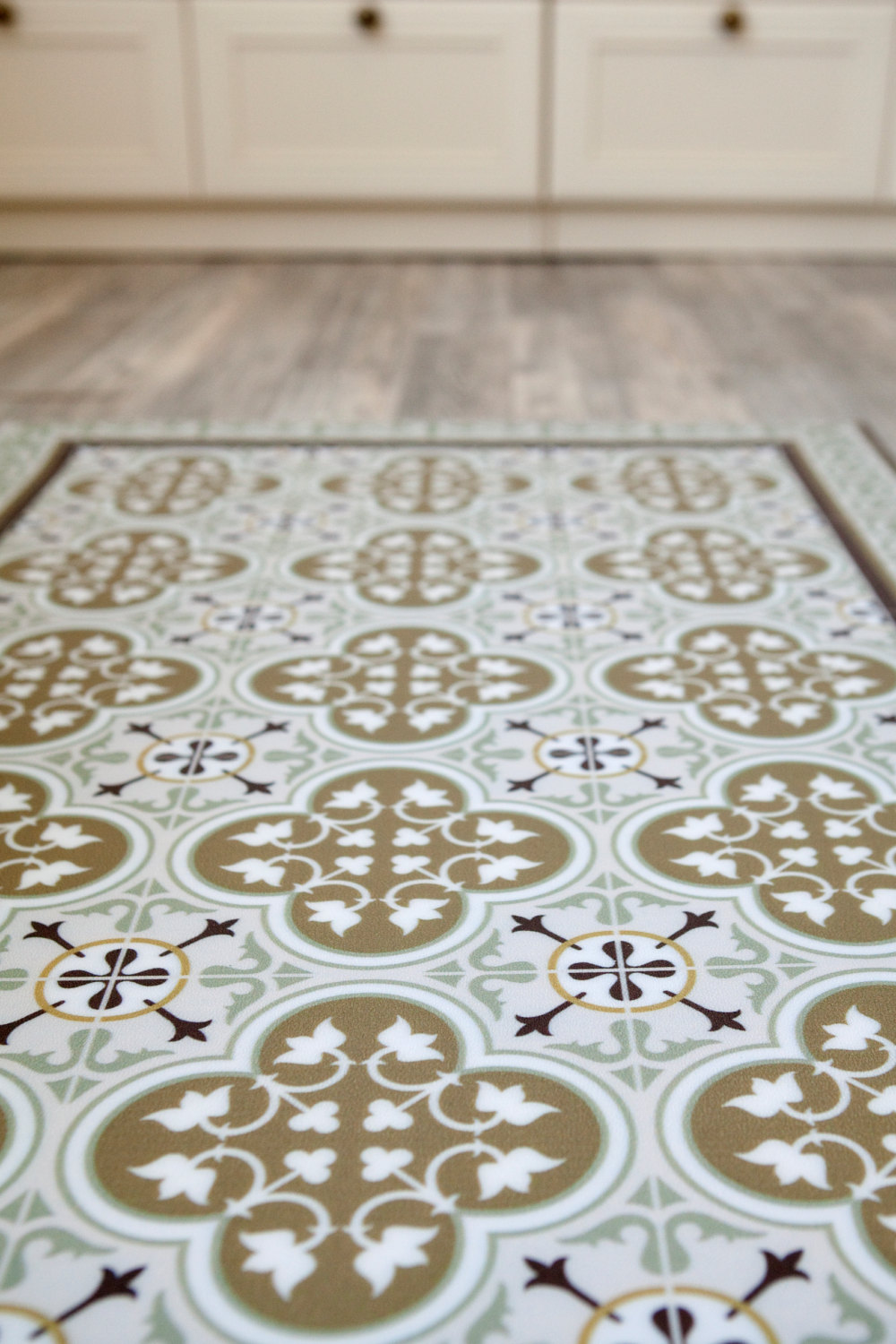 Linoleum rug rugs ideas for Patterned linoleum tiles